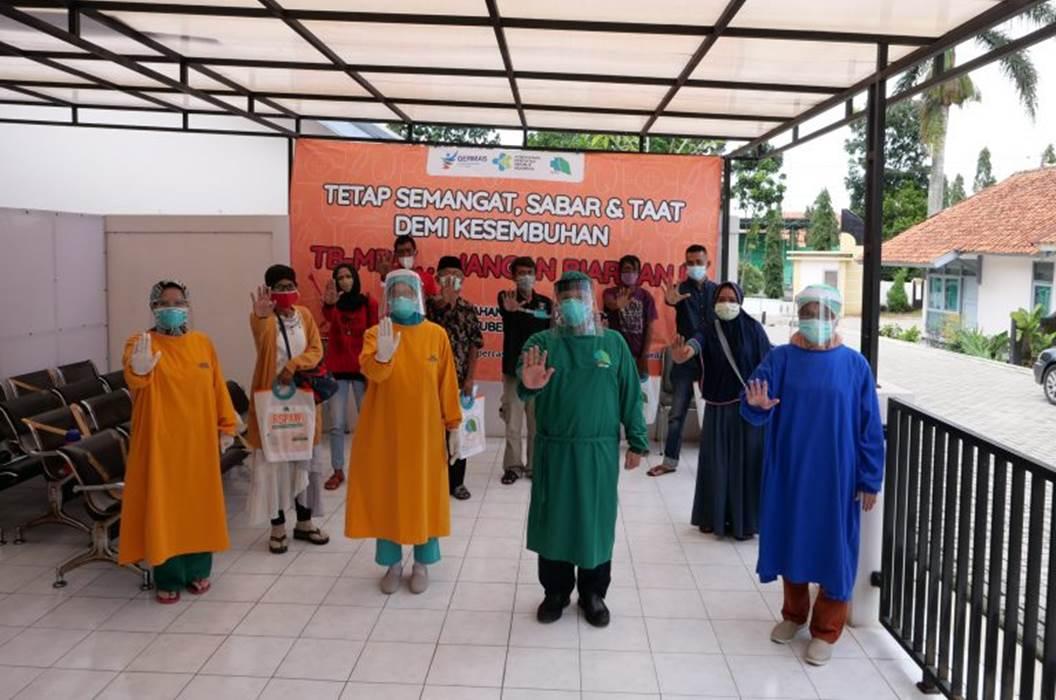 Wisuda Pasien Sembuh TBC Resisten Obat di RSPAW Salatiga